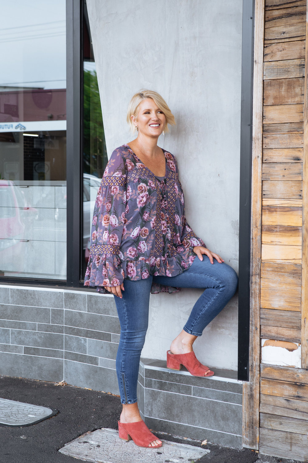 Purchase a pair of jeans that you will wear for years.  Add a gorgeous top, maybe over a simple tee with funky shoes ( Mollini ) and you have created a stunning and effortless style.  A style you will have in your wardrobe for years.   Jeans and Top  (Use the code CAZINC to receive a 10% discount.)