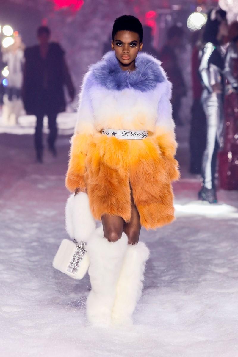 2019 Style Philipp-Plein-Fall-Winter-2018-2019-New-York-Fashion-Week-56.jpg
