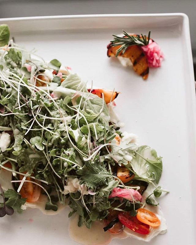 We love @getplateddc for actually making us want to eat salad...and everything else they serve 😍 Just one of the reasons they're our #1 recommendation for catering any event in our space! 🎉 | 📷 @laurenlouisecollective