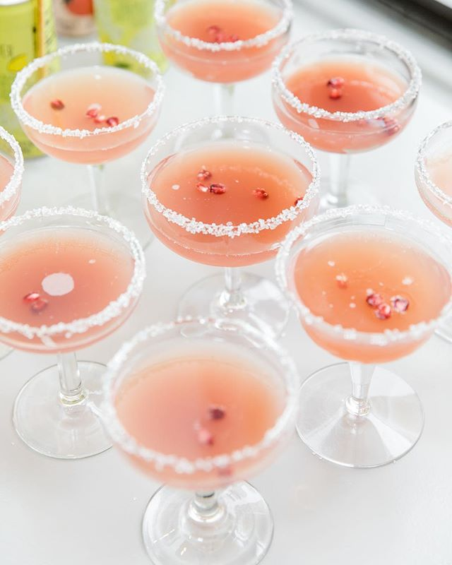 Still loving these custom cocktails from our @grace_and_ivory_ pop-up — how perfect for Spring are they?! 🌸 Let us know your favorite cocktail for cherry blossom season in the comments! 📷 @irismannings
