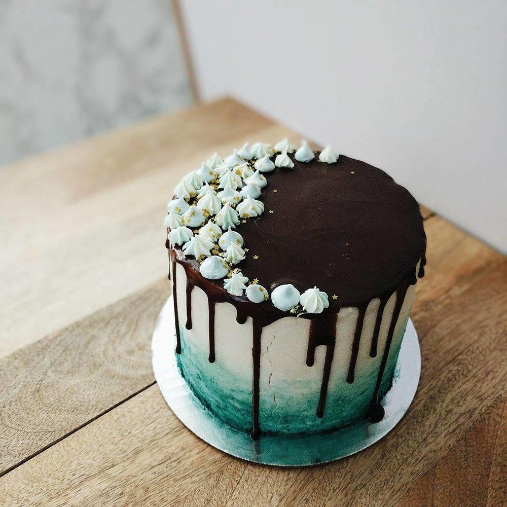 jenproject_strawberry_passionfruit_ombre_cake.jpg