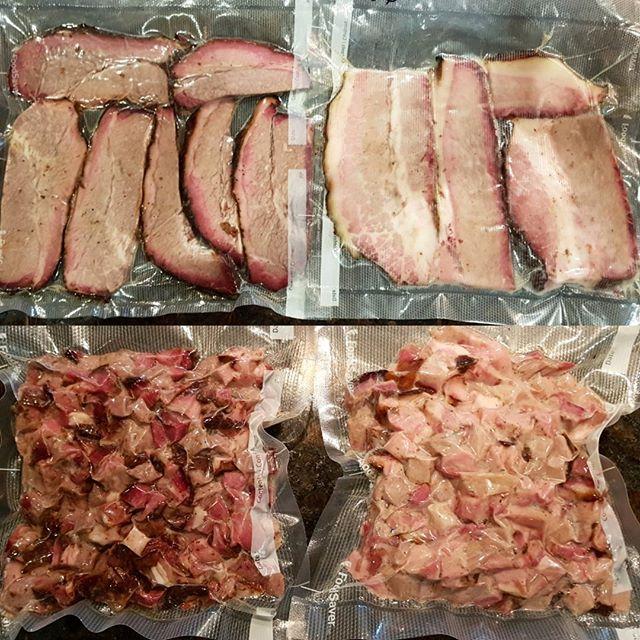 มาแล้วค่ะ Smoked Brisket 4 แบบ #สั่งก่อนได้ก่อน สั่งผ่าน line @pick.a.meat เท่านั้นค่ะ
