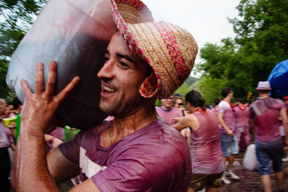 Fotografia de Prensa | La Batalla de Vino Haro La Rioja España - James Sturcke  Photographer | sturcke.org_004.jpg