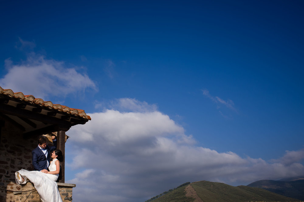 Destination wedding in Hotel Echaurren Ezcaray La Rioja Spain - James Sturcke  Photographer | sturcke.org_016.jpg