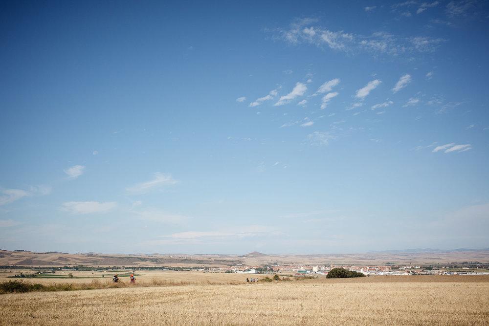 Peregrinos en el Camino de Santiago en La Rioja y Burgos - James Sturcke  Photographer | sturcke.org_006.jpg