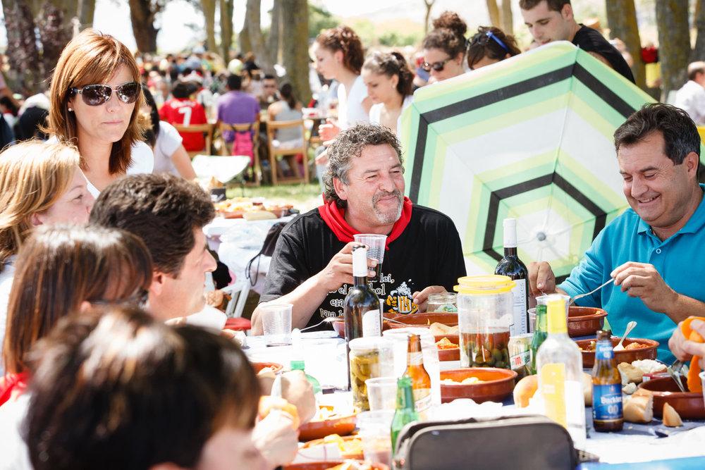 29/7/13 Familia de José Domingo, Bodegas San Pedro Apostol, Huércanos, La Rioja, España. Foto de James Sturcke Fotografía | www.sturcke.org
