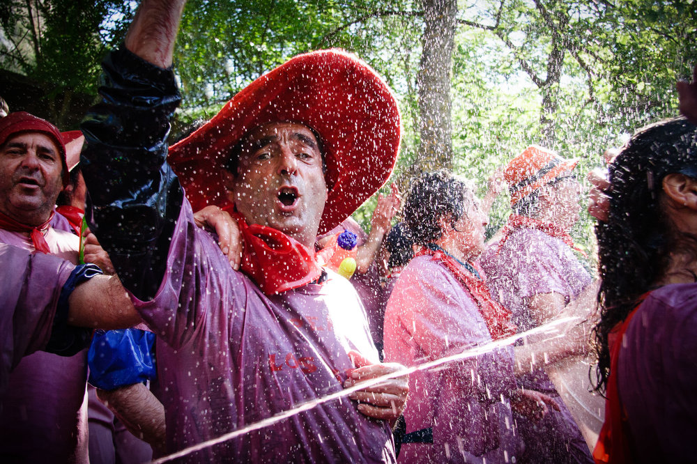Riscos de Bilibio, Haro, La Rioja, Spain. 29 June 2014. Revellers at Haro Wine Battle held annually on St Peter's Day. Haro is at the heart of the Rioja wine region. In 2013 35% of Rioja exports were destined for the UK. Photo: James Sturcke | www.sturcke.org | +34 646775604