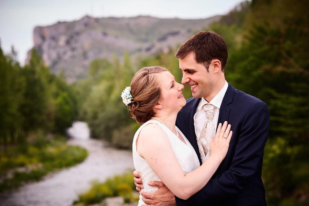 27/5/17 Marlit & Iñaki. English-speaking wedding photographer Spain. Palacio Azcárate, Ezcaray, La Rioja, Spain. Photo by James Sturcke | Sturcke.org