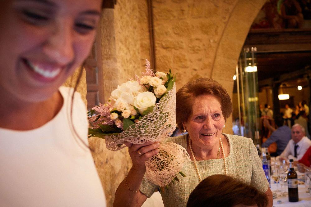 Fotógrafo de boda con estilo documental y fotoperiodismo en La Rioja Palacio Casafuerte Zarraton La Rioja Spain James Sturcke Photographer sturcke.org_00025.jpg