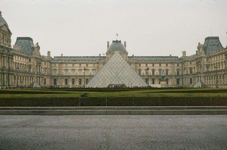 Louvre.jpg