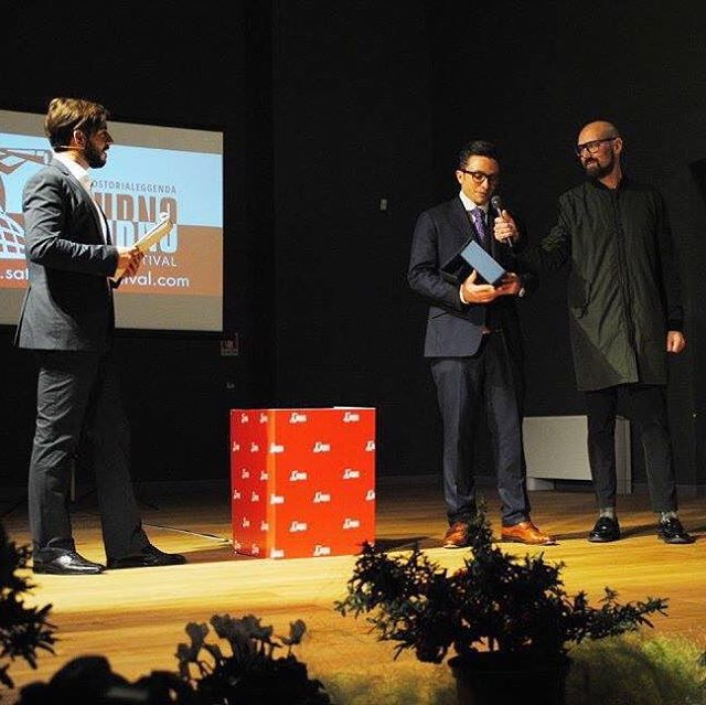 Accepting an award @saturnofilmfestival. #filmfestival #award #film #producer #pearlpictures #Rome #italy #saturnofilmfestival