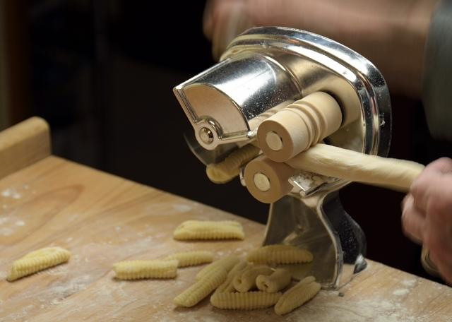 Making-Cavatelli-640x456-D53_2186_1725.jpg