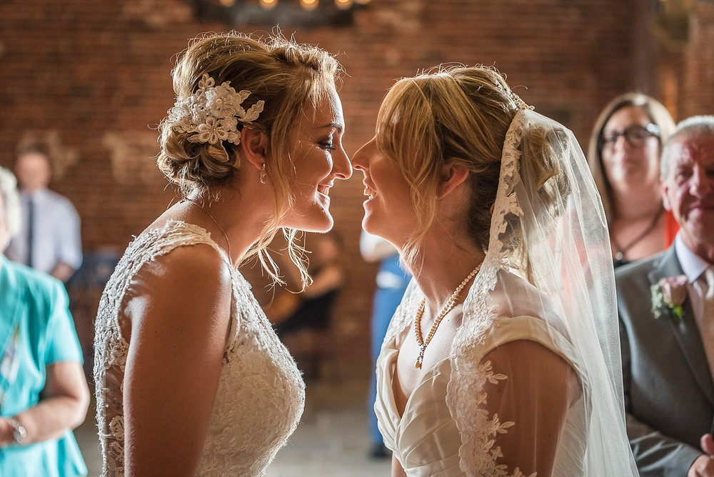Alex Buckland Photography   Hazel Gap Barn   Wedding Photography