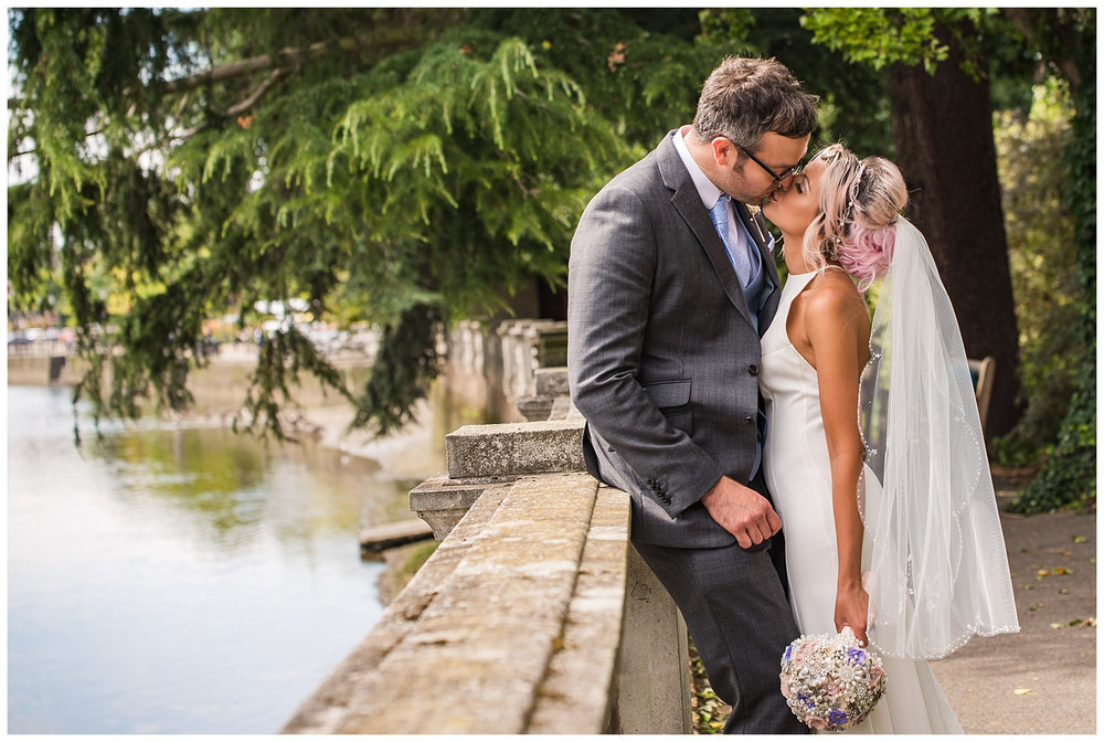 Wedding Couples photos by River thames | York House Gardens