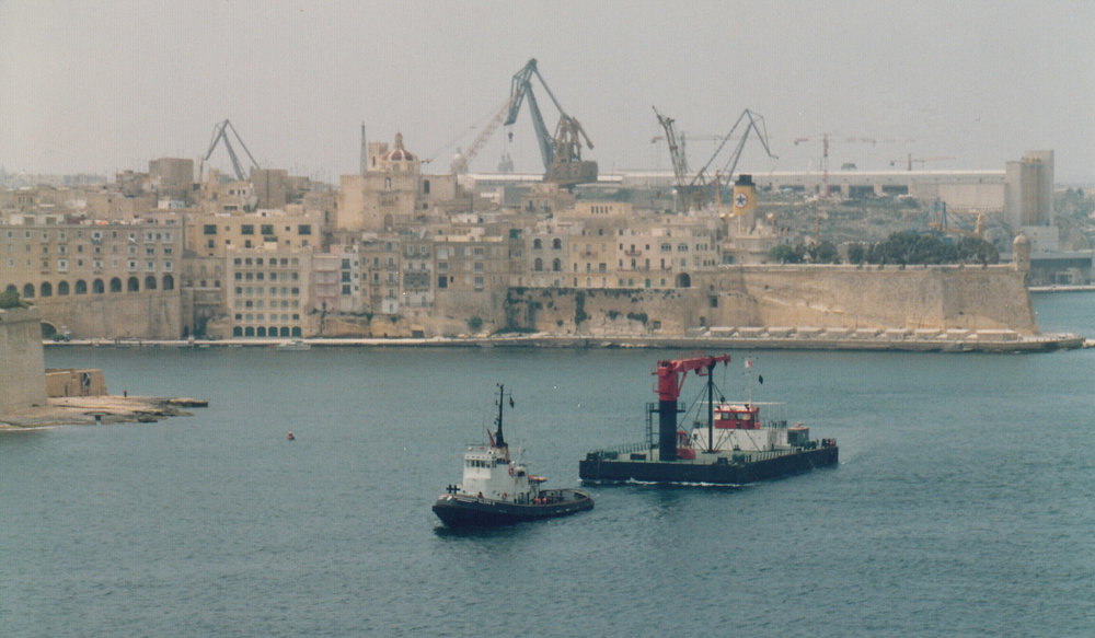Towing crane barge to Tripoli.jpg
