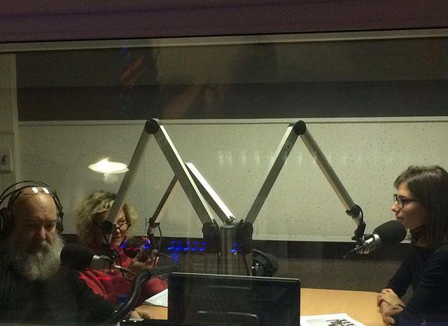 """Сегодня в программе """"Действующие лица"""" на радио Культура состоялся лёгкий  разговор на нешуточные темы. Ссылка в профиле #радиокультура #действующиелица #галереяпалисандр #контрдизайн #этторесоттсасс #palisandergallery"""