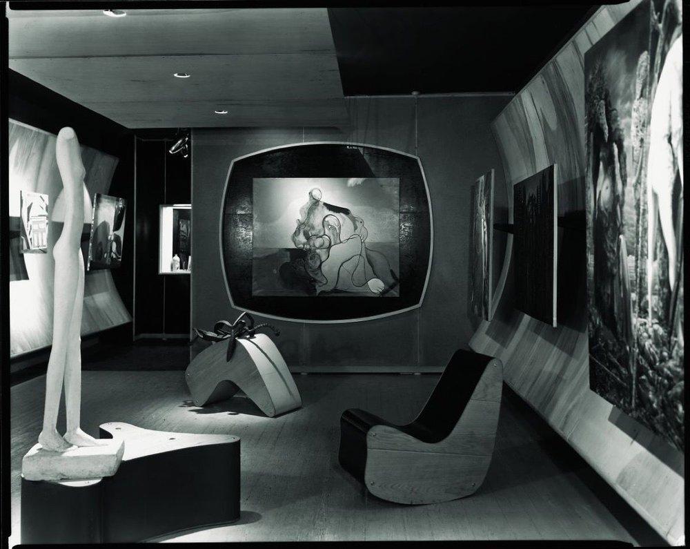 Фредерик Кислер. Интерьер галереи Art of This Century в Нью-Йорке, 1942