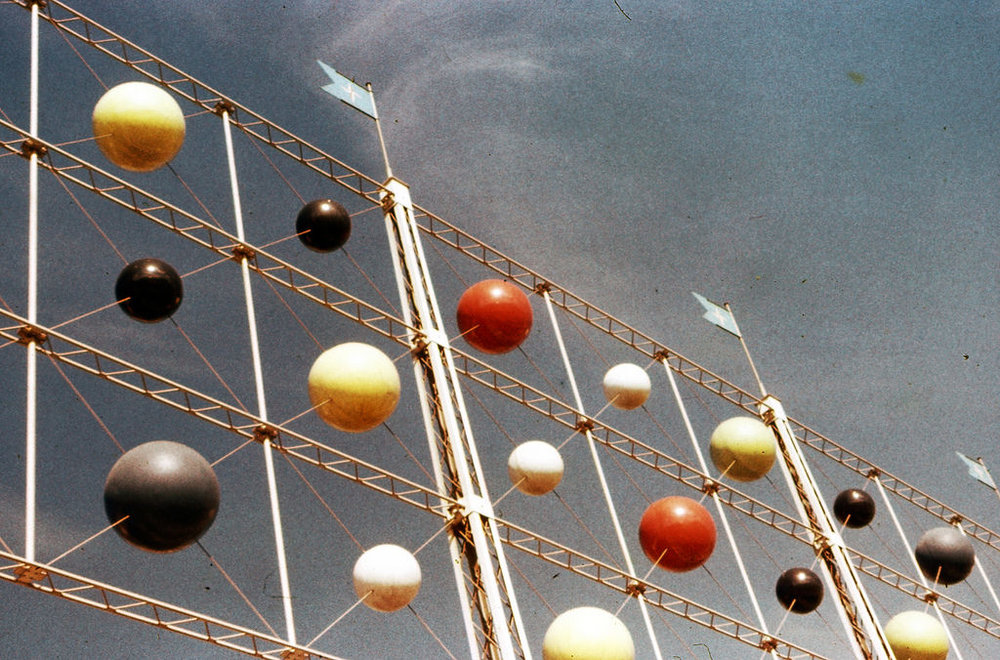 Эдвард Миллз. Abacus Screen на Festival of Britain. 1951