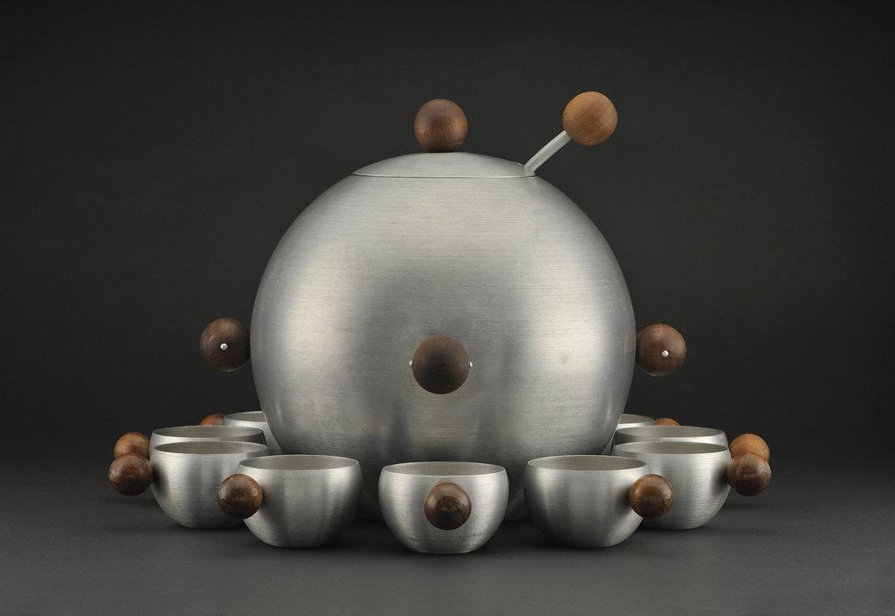 """Рассел Райт. Набор алюминиевой посуды """"Сатурн"""". Ок. 1935"""