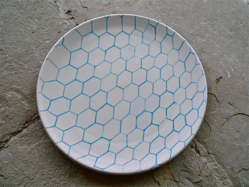 white ceramic body heavy: blue line perspective  plate 2x40 cm (250 E)