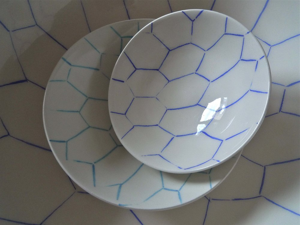 white ceramic body light: blue line perspective bowl 3x12cm (35E) bowl 3x15cm (40E)