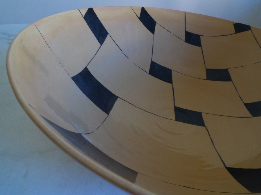 detail terra cotta black line perspective bowl 15 x 40cm (350E)