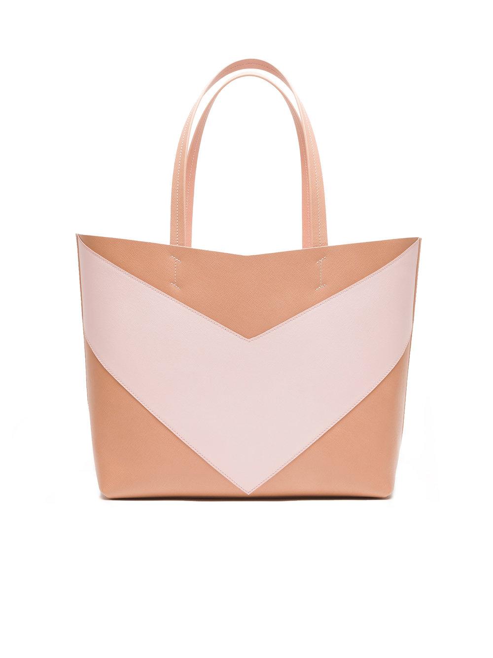 Pragmantica L - Nude/Soft Pink - Nude saffiano leather & Soft Pink saffiano leatherCyclamen suede interior with two Internal pocketW 40 x H 30 x D 16,5 cm