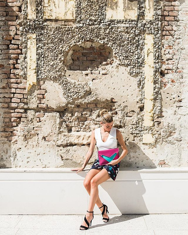 Waiting for spring with New Pragmantica XS ⚡️🌷✉️ Ph by @paola_lattarini_photo thanks to @luisa_furnari . . . . #bellonidesilva #pragmantica #bag #girls #girlpower #newbrand #bags #luxurybag #fashionblogger #italiandesign #design #fashiondesign #madeinitaly #creativity #milano #spring #ss19 #musthave