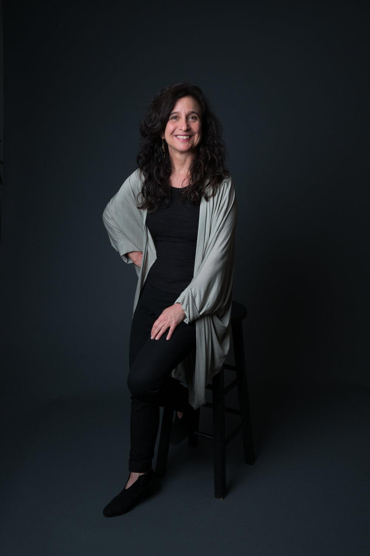 Nina Stern Headshot.jpg