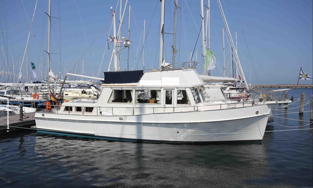 The Grand Banks 42 Classic remained the standard for cruising trawlers for several decades, and it deserved that honor. Great boat.