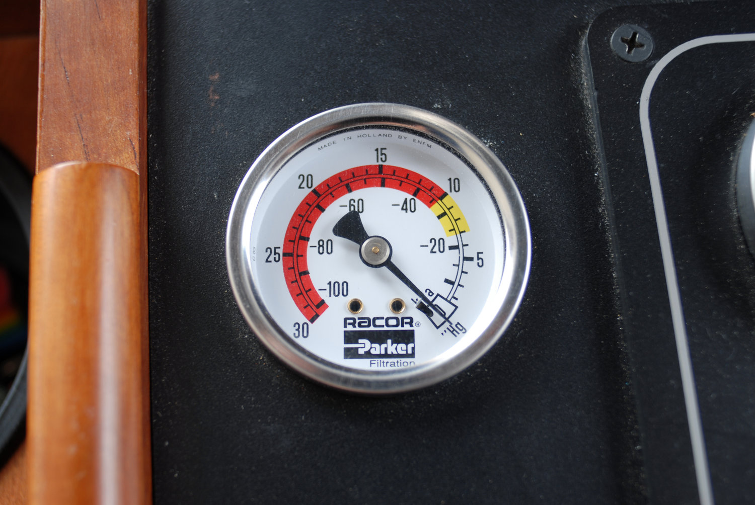 Monday Minute A Fuel Filter Vacuum Gauge At Your Helm Followingseas Volvo Filters