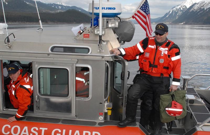 U.S.-Coast-Guard-01.jpg