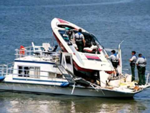 boat crash 5.jpg