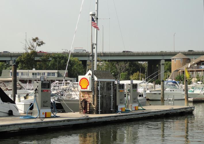 boat fuel dock.jpg