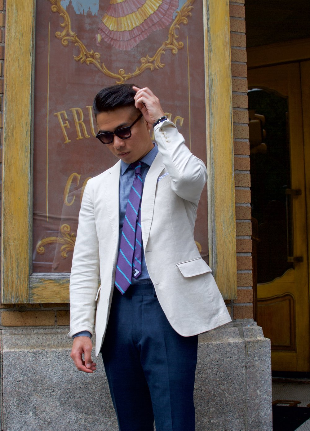 11 Men's First Date Outfit Red Flags