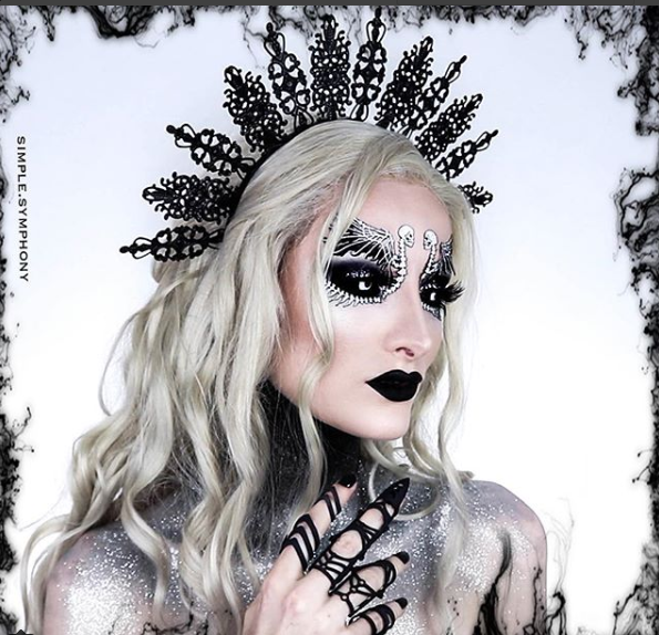 15 Spooky Scary Halloween Makeup Looks From Instagram