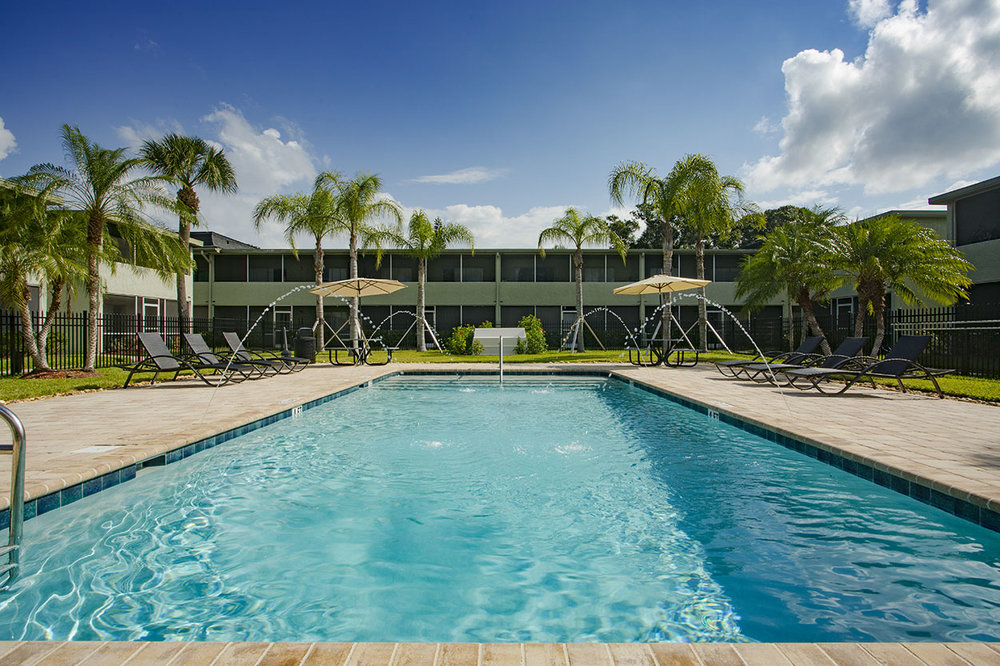 largo-pinellas-clearwater-one-bedroom-rental-pool