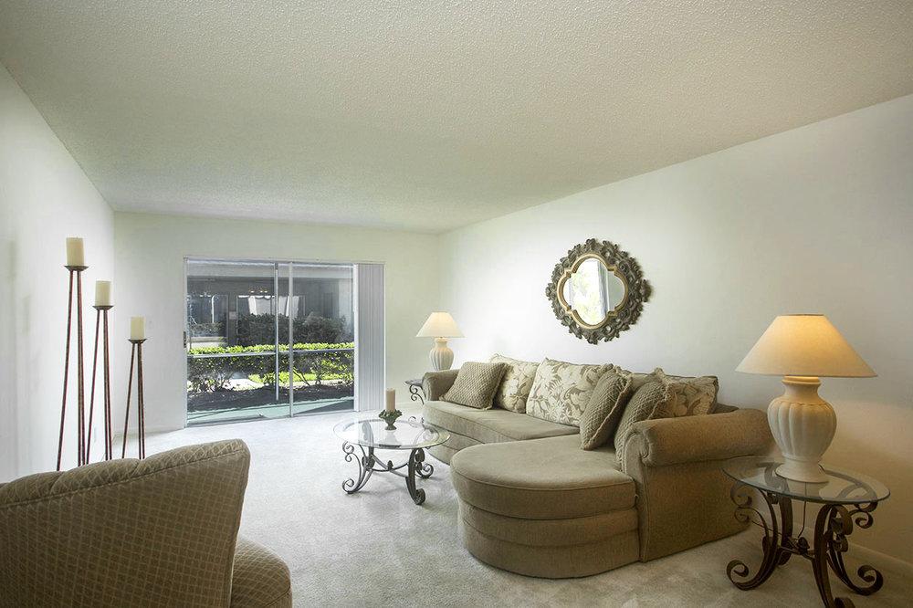 largo-pinellas-clearwater-one-two-bedroom-rental-livingroom.jpg