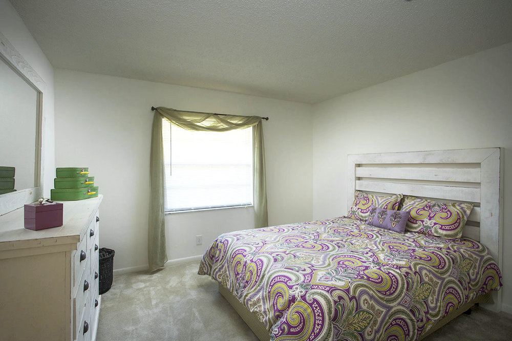 largo-pinellas-clearwater-one-two-bedroom-rental-room2.jpg
