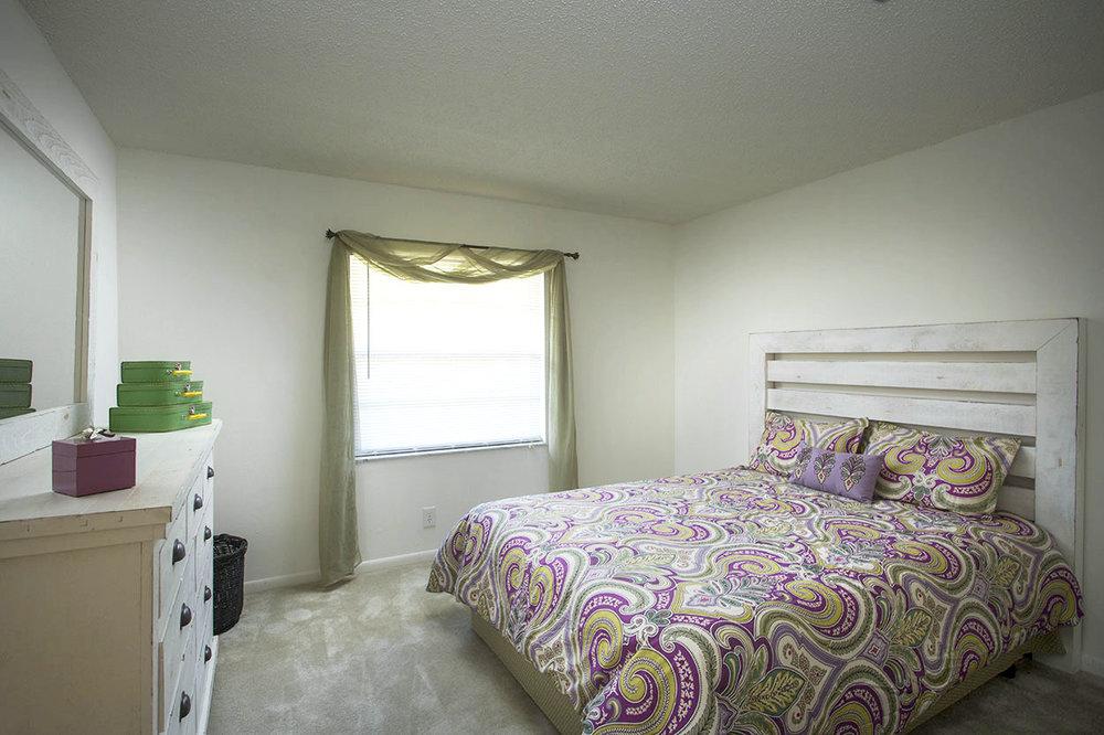 largo-pinellas-clearwater-one-two-bedroom-rental-room2.jpg
