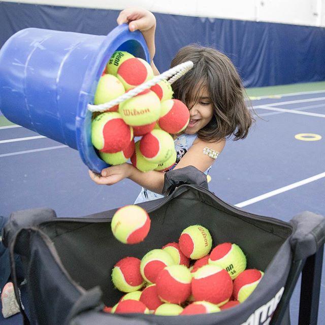 Getting rid of your workweek responsibilities like... #fridayfeels . . . . . #tgif #NJspringtennis #newprovidenceNJ #redballtennis #tennisplayer #tennisfun #tennisrunsinourblood #fortheloveofthegame #tennisisoursport #njkidstennis
