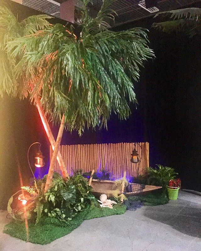 When imagination becomes reality.... saaahweet!  #imagination #creative #reality #rainforest #jungle #chicago #props #eventplanner #eventlife #makedreamscometrue #sofun #lovewhatwedo #eventdecor #eventdesign #partnership #trending #ontrend #cre #realestateevents
