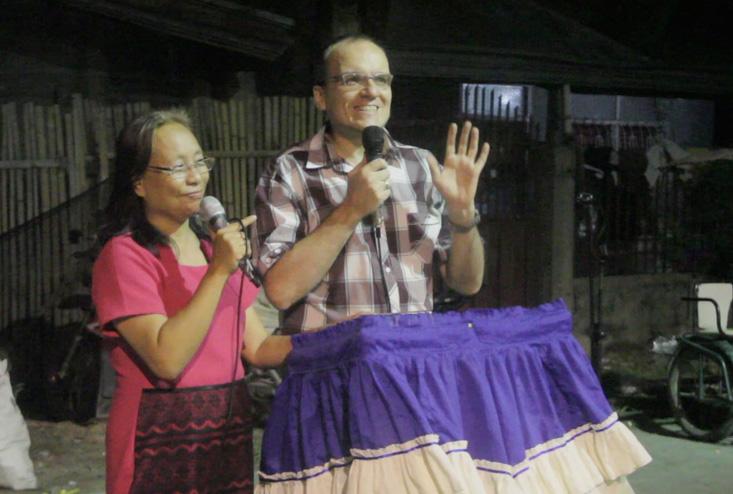 Christian & Adela predigen das Evangelium im Armenviertel