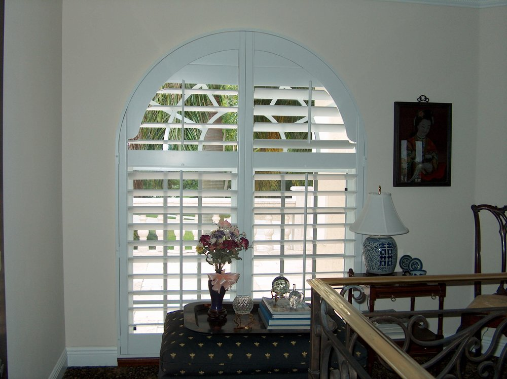 White Poly Arched Panels with Divider Rail
