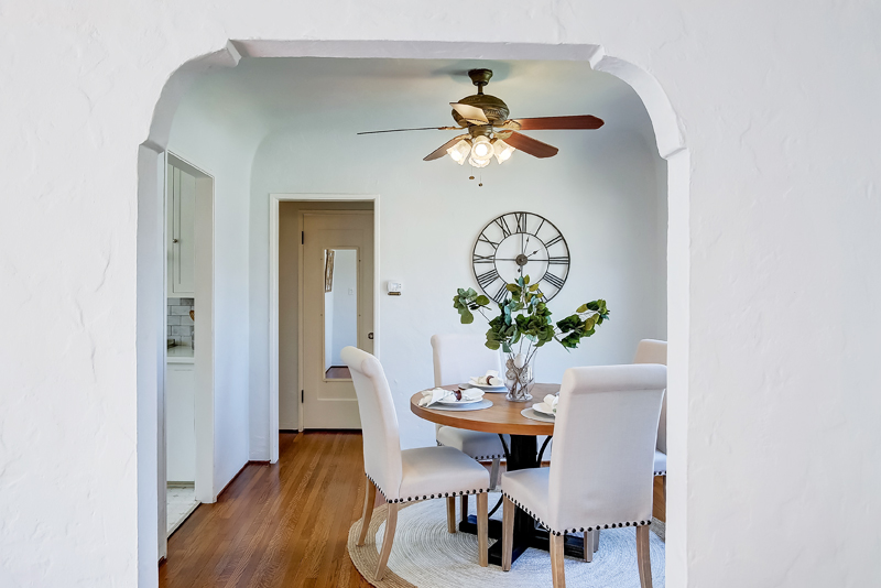 vacant home staging; dining room