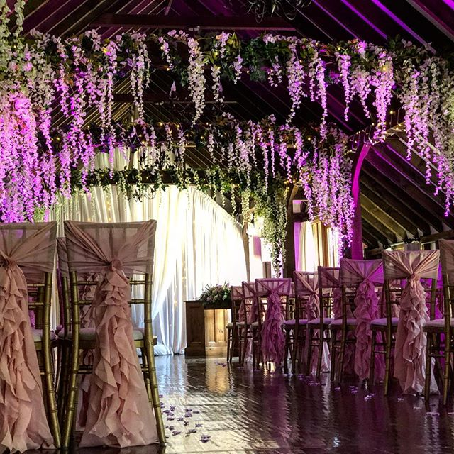 Magical ceremony set up Sunday 💗 . .  #romantic #weddingstyle #ceremonydecor #ceremonyideas #ceremony #ceremonyaisle #weddingday #weddinginspiration #weddingvenue #romanticwedding #bride
