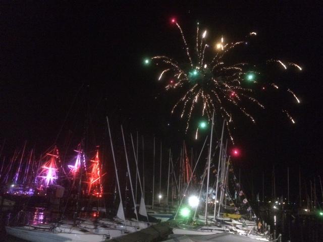Feuerwerk über dem VSaW-Hafen.jpg
