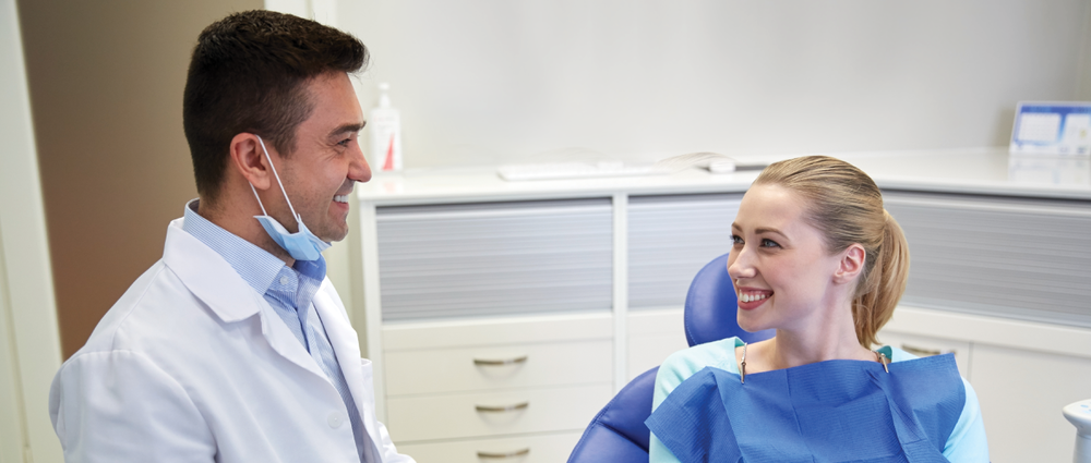 dentist digital signage helps educate and entertain patients in the dental waiting room