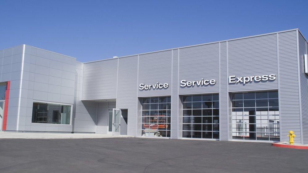 dealership service drive digital marketing drives service