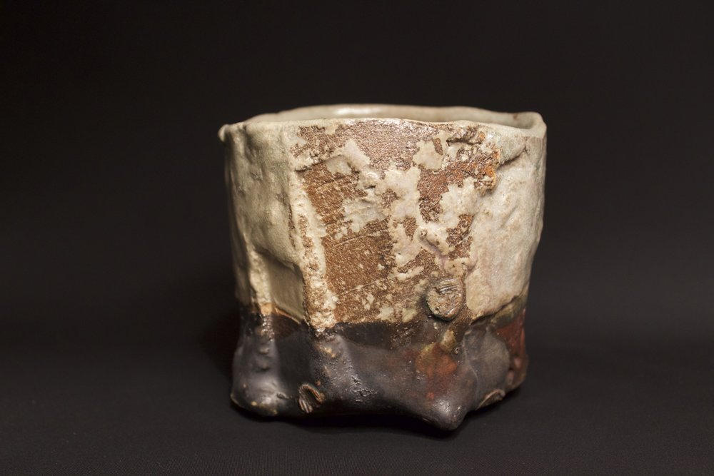 Ash and oribe glaze tea bowl